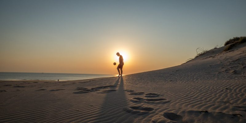 water-people-sea-beach-beach-sand-fun-game-soccer-football-happy_t20_3eEgoo